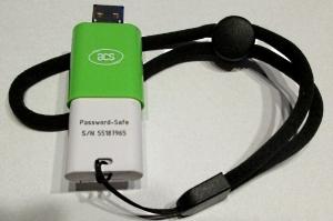 Cardreader mit integrierter PasswordSafe Smartcard und 8 GB µSD-Karte